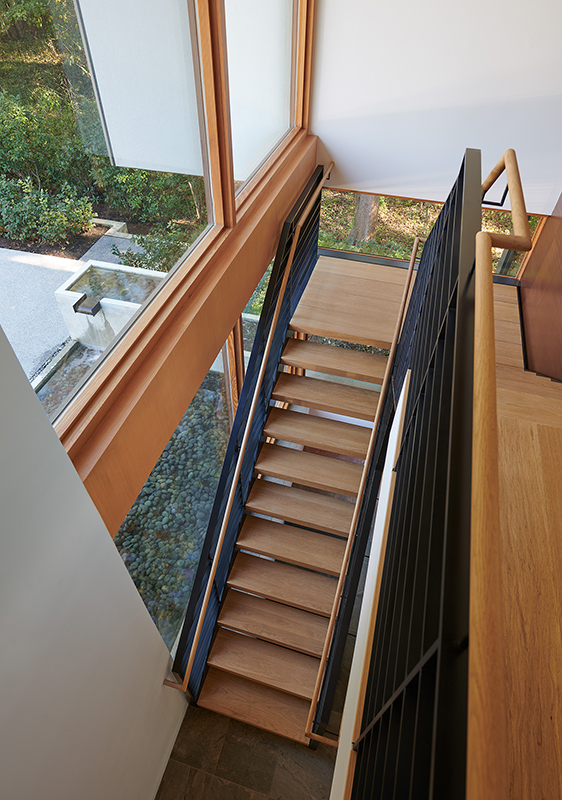 Mark_McInturff_Architects_DC_MD_Staircase_wooden